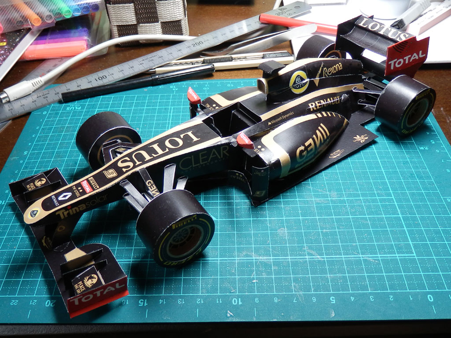 Sauber Lotus Offer F1 Fans Creative Respite During Summer