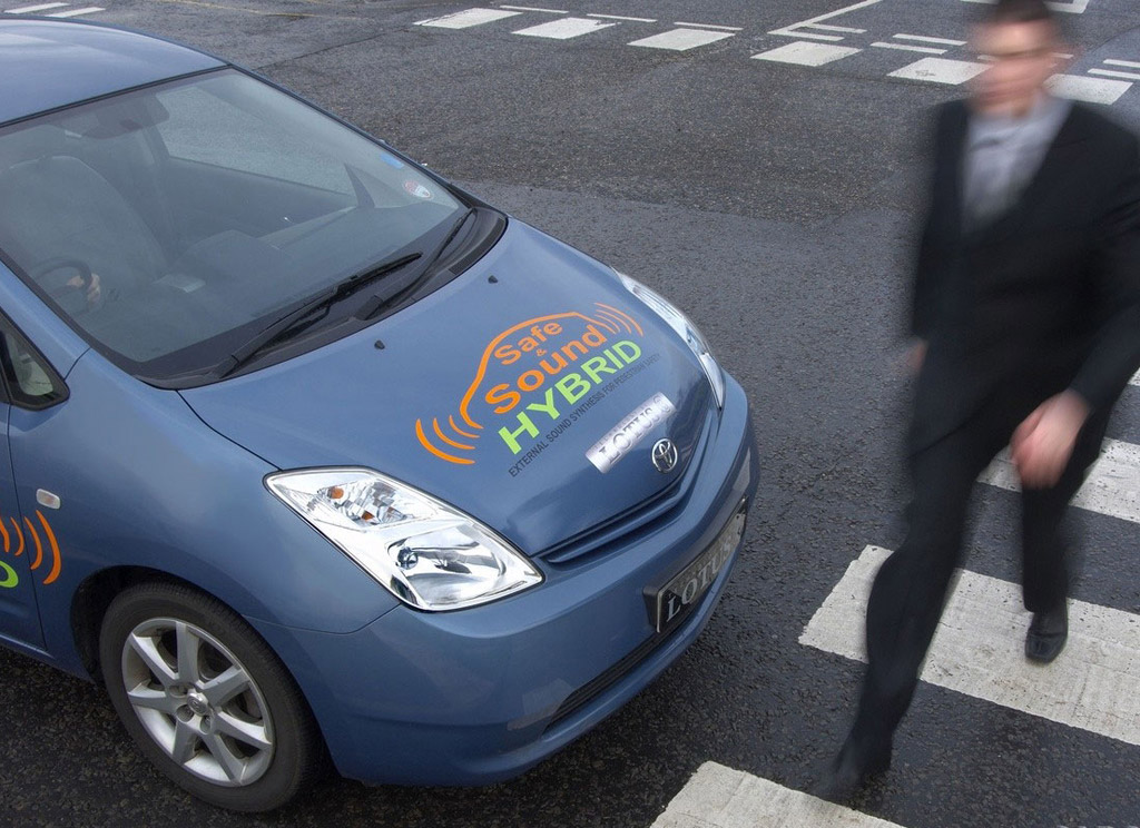 NHTSA finalizes quiet-car rule for hybrids, electrics, to