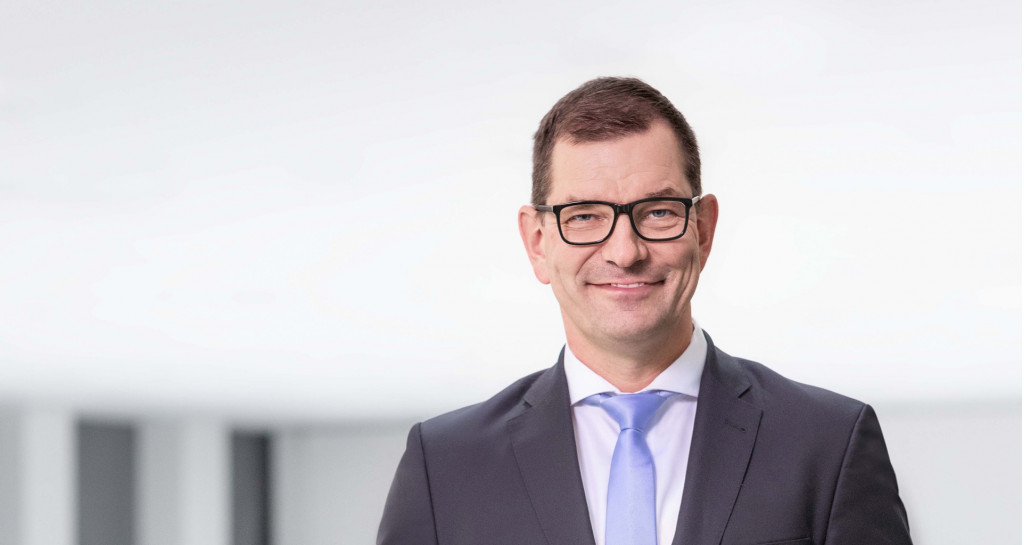 Audi names BMW exec as CEO