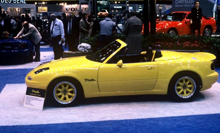 1990 Mazda Miata at the 1989 Chicago Auto Show, courtesy of Chicago Auto Show