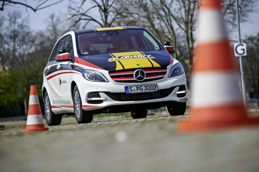 Cars That Start With B >> New Drivers Start To Take Lessons In Electric Cars In Germany