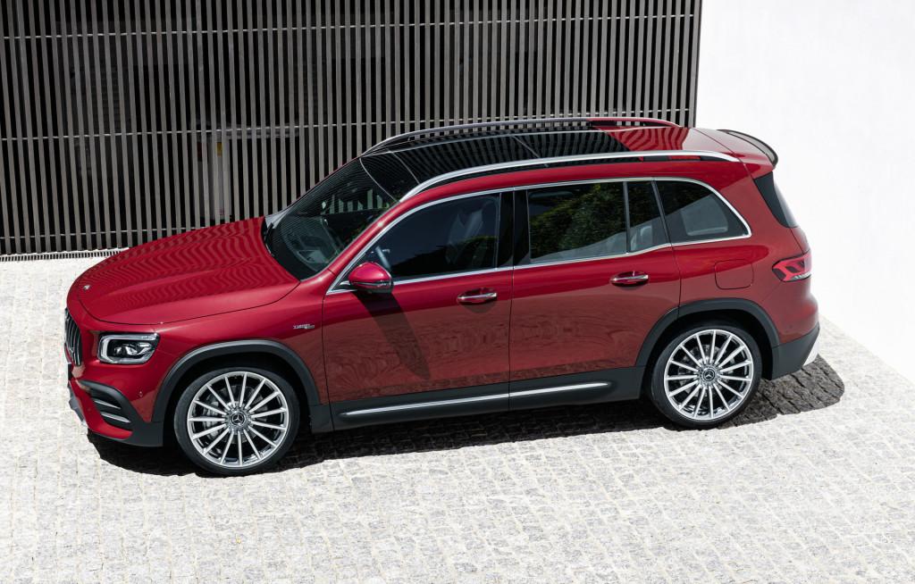 Mercedes-AMG GLB35, VW Transporter, Porsche Macan Turbo: Today's Car News