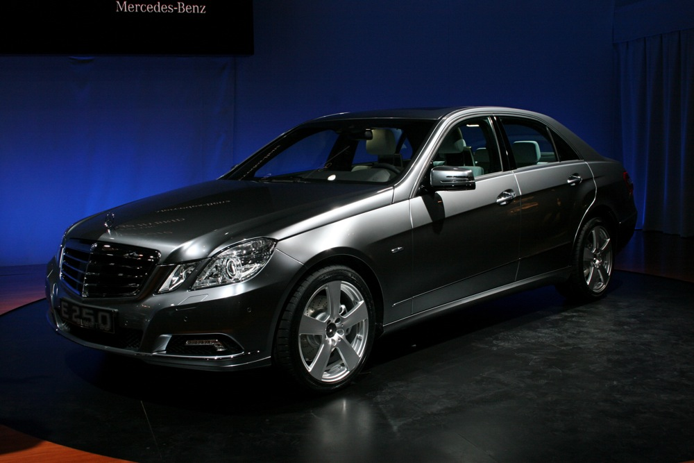 2009 new york auto show 2011 mercedes benz e250 bluetec for Mercedes benz bluetec diesel