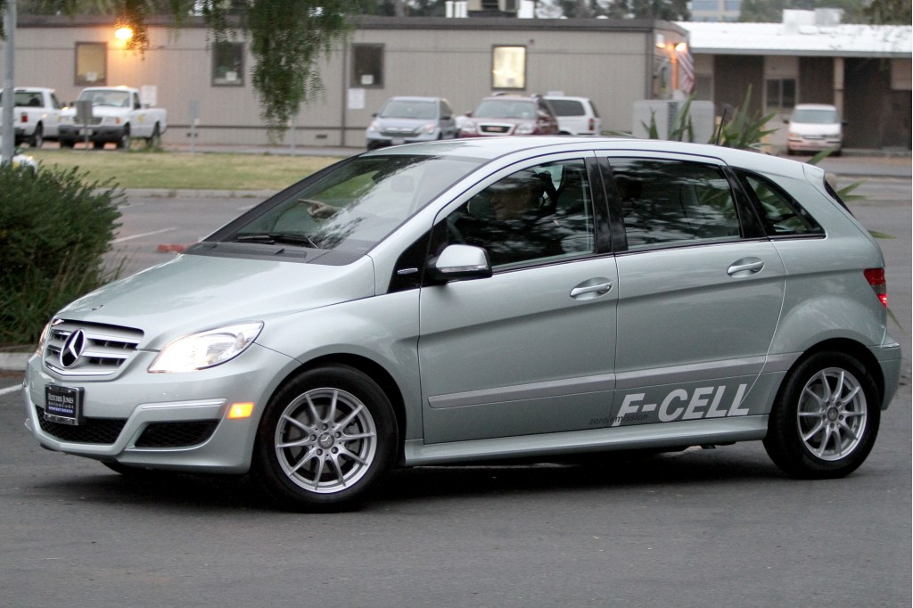 Image first mercedes benz b class f cell hydrogen fuel for Mercedes benz f cell price