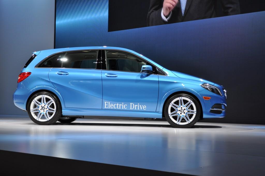 2014 Mercedes-Benz B Class Electric Drive Live Photos