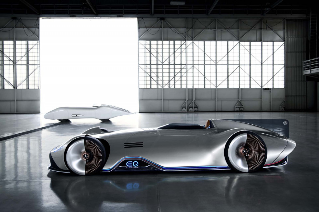Mercedes' EQ Silver Arrow concept is an electric streamliner with