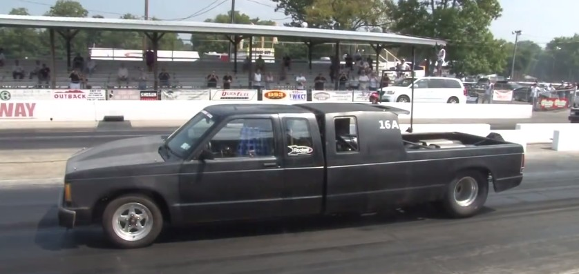 Twin-Turbo Mid-Engine Drag Truck Rips Down Strip: Video