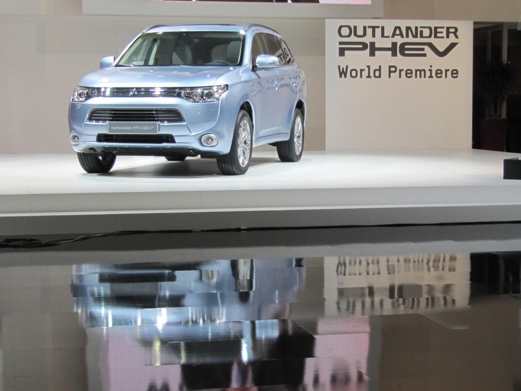 Mitsubishi Outlander Plug-In Hybrid, 2012 Paris Motor Show
