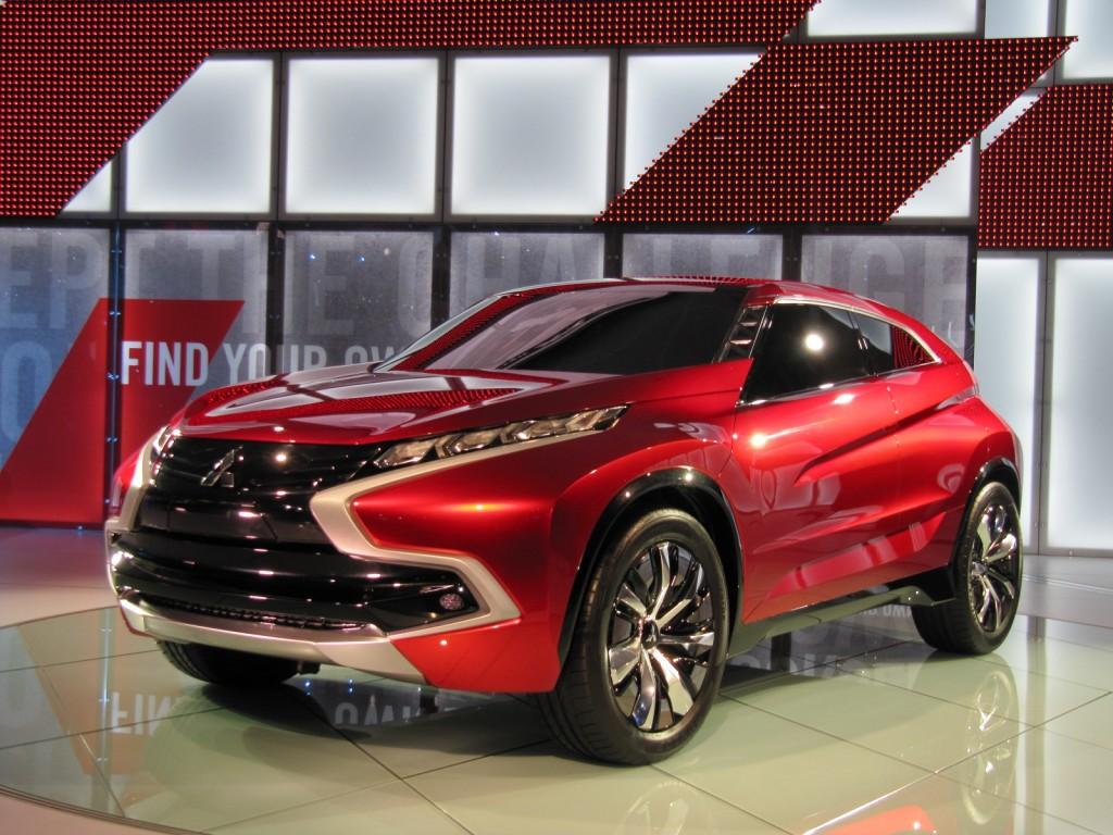 Mitsubishi XR-PHEV Concept at 2014 Los Angeles Auto Show