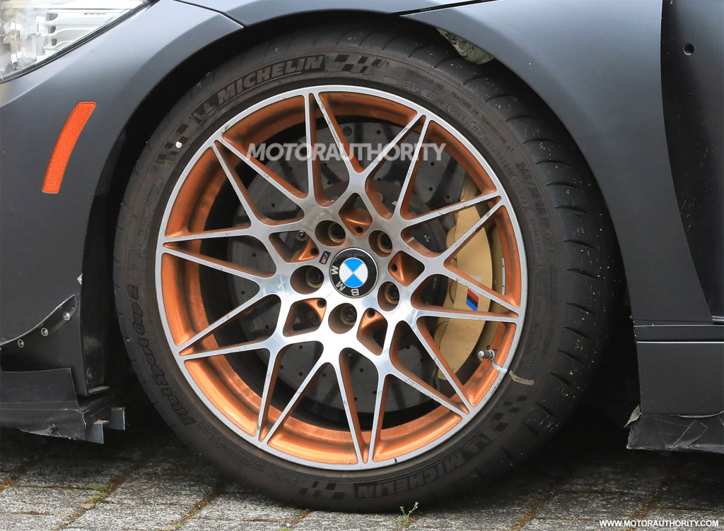 Spy shots and video of possible BMW M4 CSL