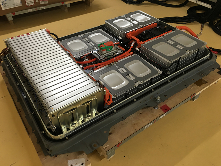 Nissan, Sumitomo open electric-car battery recycling plant