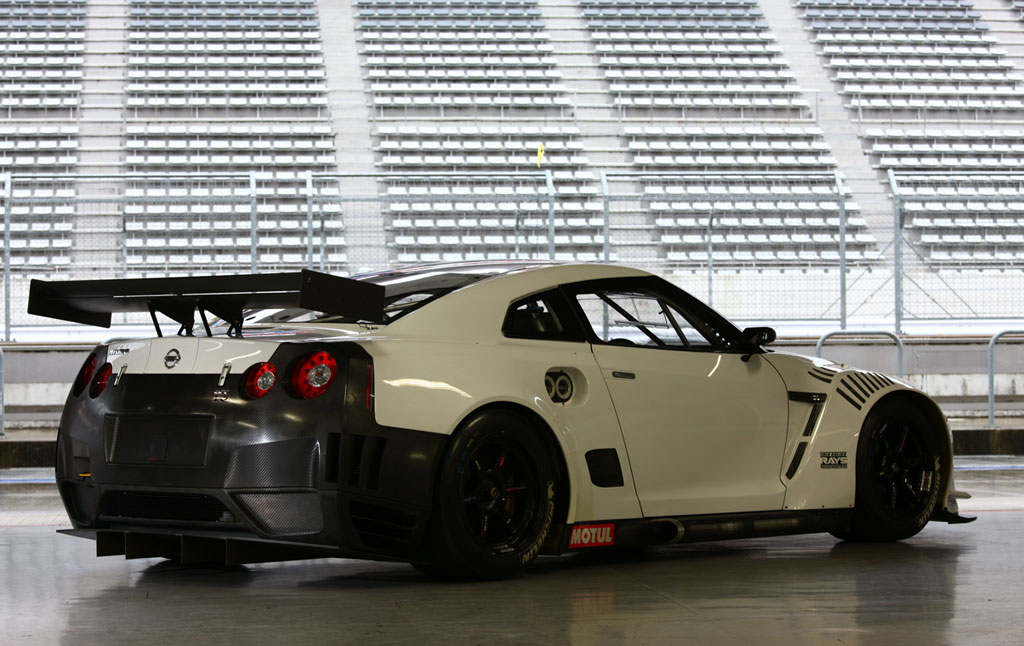 Nissan Releases New Specs Images For Fia Gt R Race Car