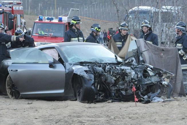 Nissan GT-R Driver Suffers Fatal Crash
