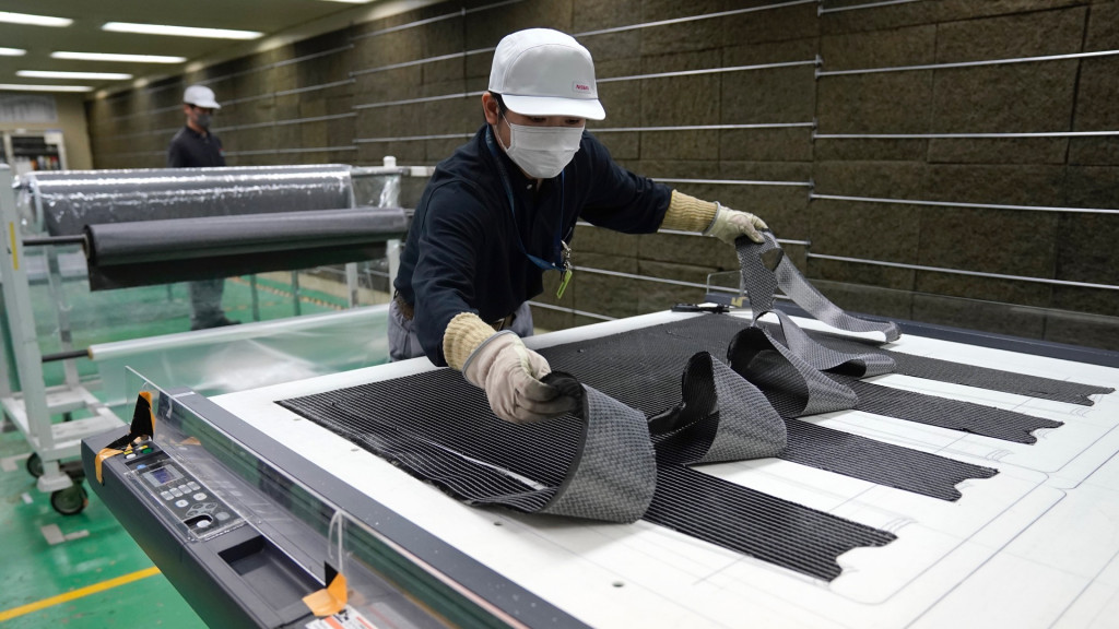 Nissan To Bring Carbon Fiber Reinforced Plastic To Mainstream Cars