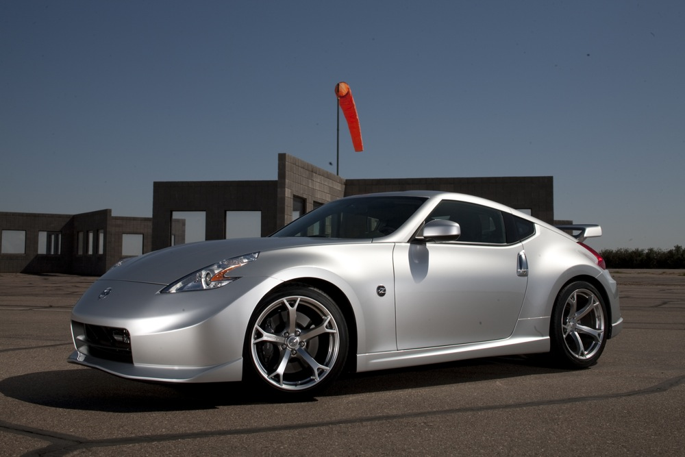 2009 nissan nismo 370z priced on sale. Black Bedroom Furniture Sets. Home Design Ideas