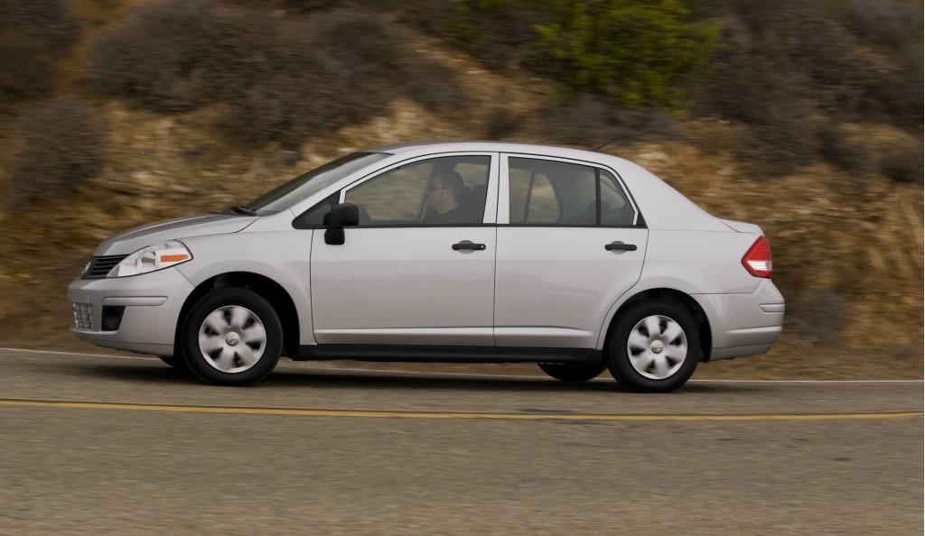 2009 Nissan Versa 1.6 Base