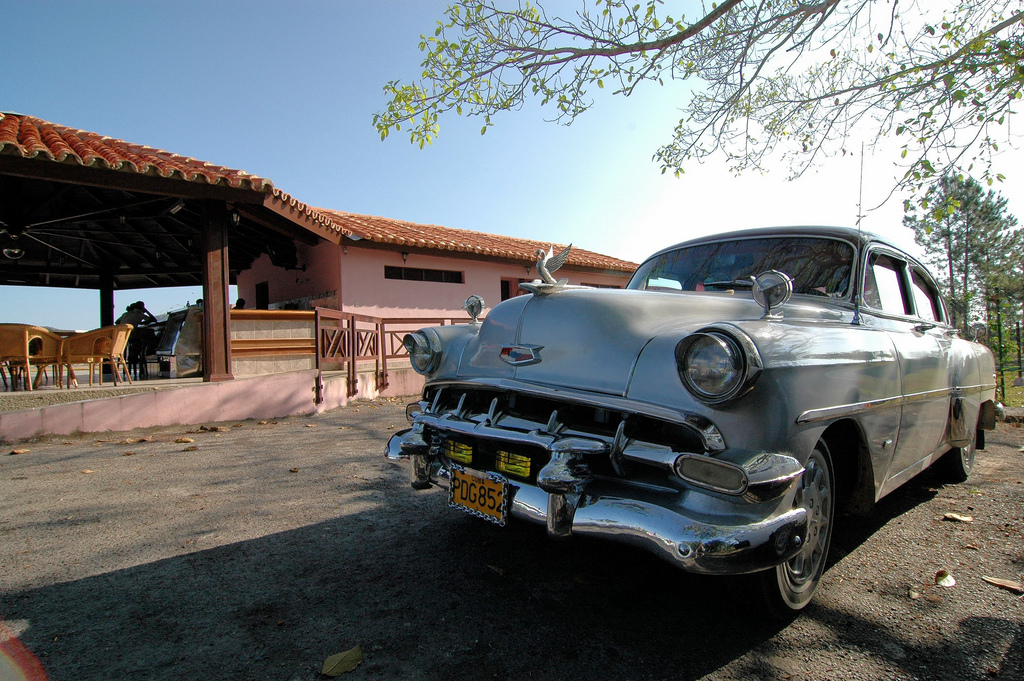 Old car in Cuba (Image by Flickr user jeminke, used under Creative Commons license)