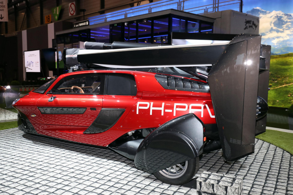 Pal-V Liberty flying car debuts in Geneva, starts at $400,000