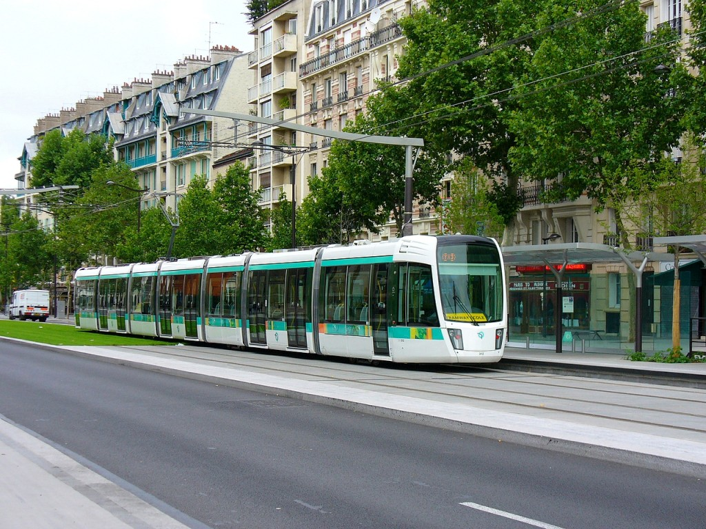 Image: Paris tram by Flickr user Metro Centric (Used under ...