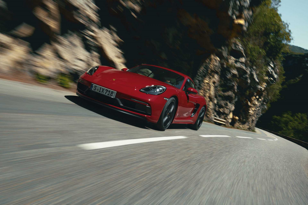 Six goes into 718 twice: 2021 Porsche 718 GTS adds flat-6 engine, 6-speed manual