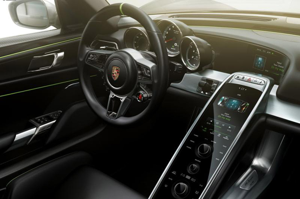 Porsche 918 Spyder leaked in brochure