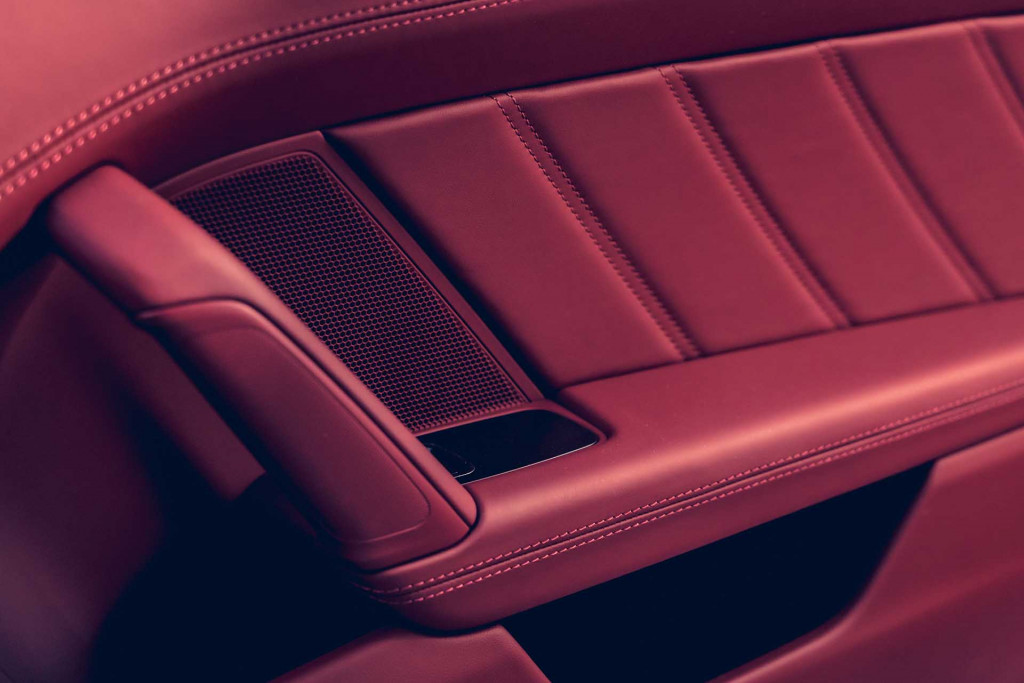 It S In The Leather 2021 Porsche 911 Adds Historic 930 Interior Package Which Is A Gimme