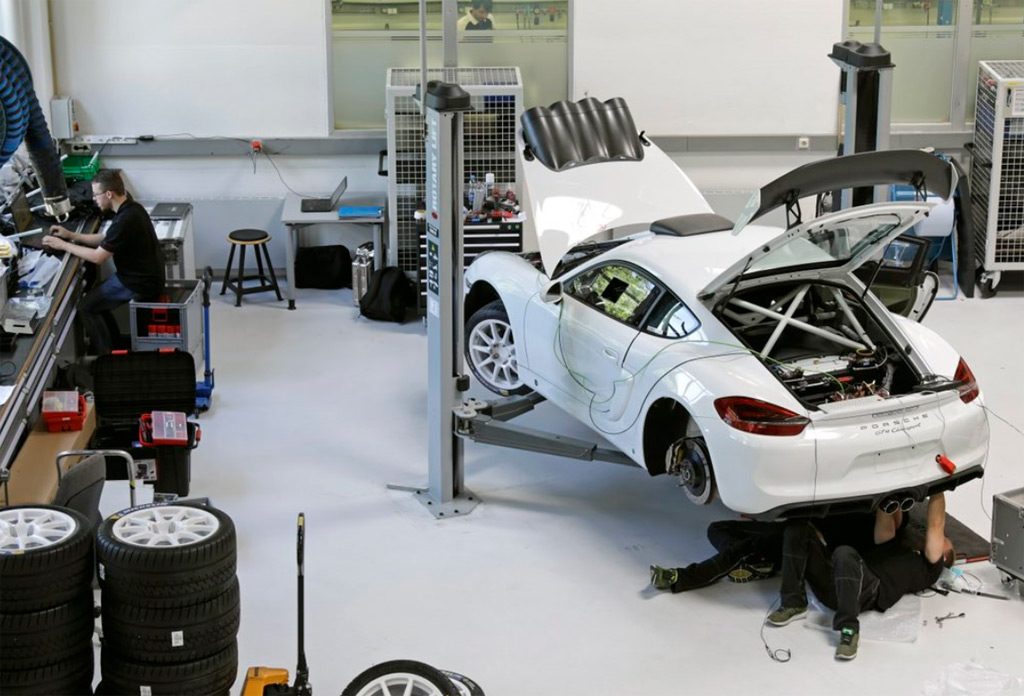 Porsche could soon offer a 718 Cayman rally car straight from the factory