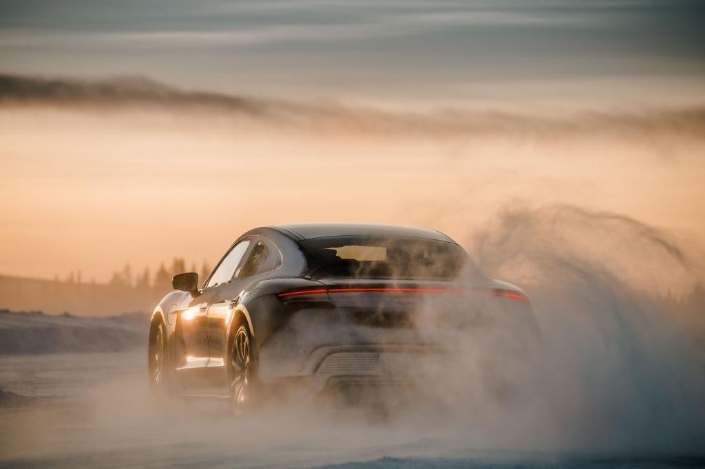 Porsche Ice Force Pro - Taycan Turbo S