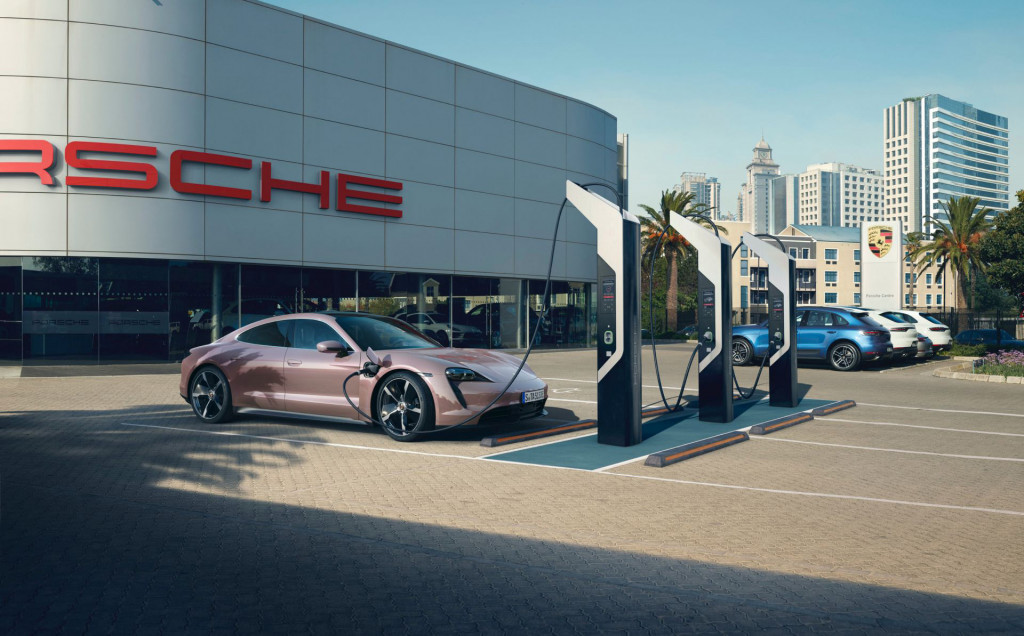 Porsche Taycan base model (China spec) - June 2020