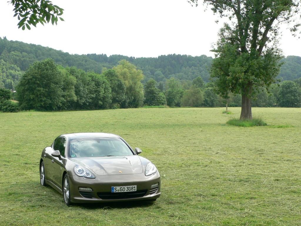 2011 Porsche Panamera V-6