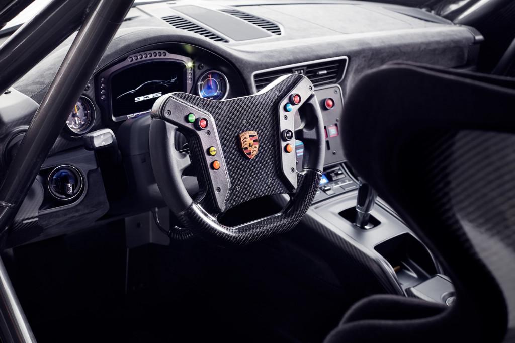 Watch Porsche's modern 935 take to Monza