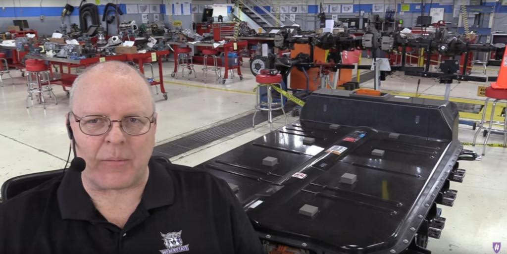 Chevrolet Bolt Ev Electric Car Whats Inside The Battery Teardown