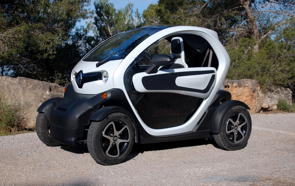 will open air renault twizy electric car threaten new smart fortwo. Black Bedroom Furniture Sets. Home Design Ideas