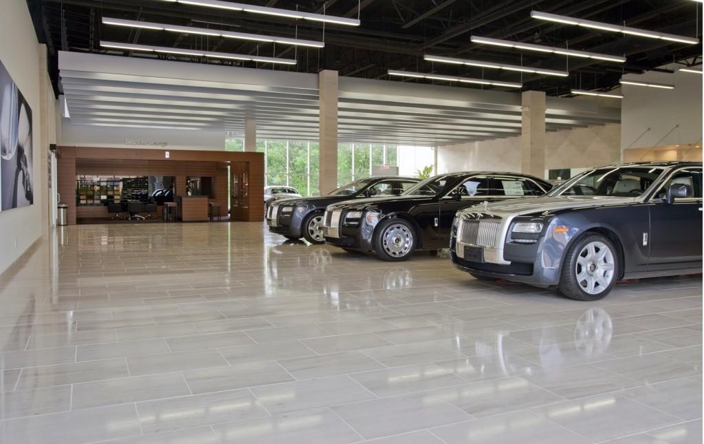 Rolls Royce Dealers >> Rolls Royce S Largest North American Dealership Opens On