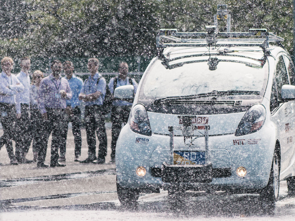 Singapore-MIT self-driving car tests in heavy rain at CETRAN facility Image: SMART