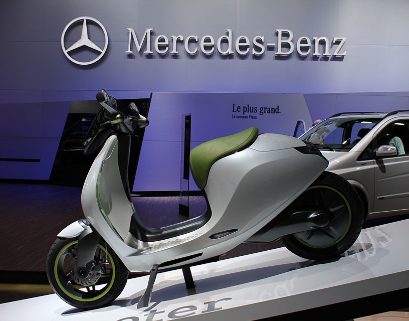 2010 Paris Auto Show: Electric Scooters From MINI, Smart