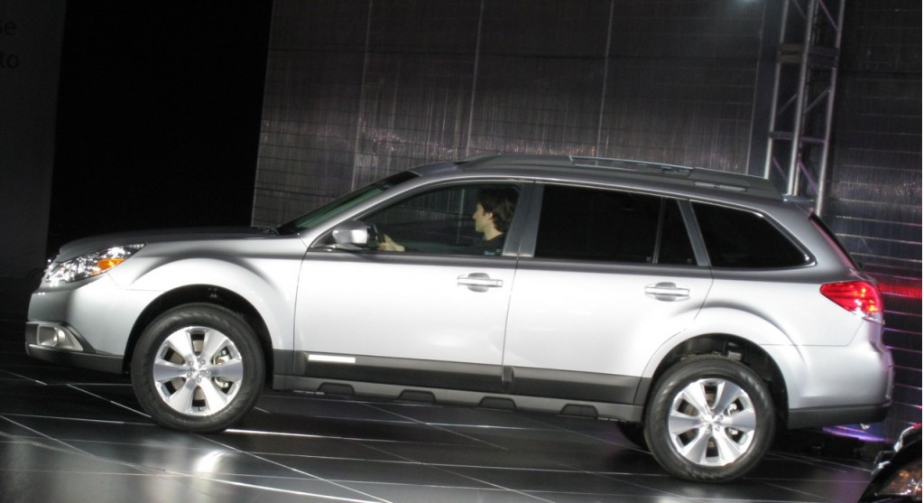 subaru gives 2010 outback world premiere at nyc show. Black Bedroom Furniture Sets. Home Design Ideas
