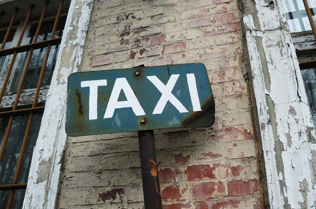 Taxi sign in Trzcianka, Poland (via Wikimedia)