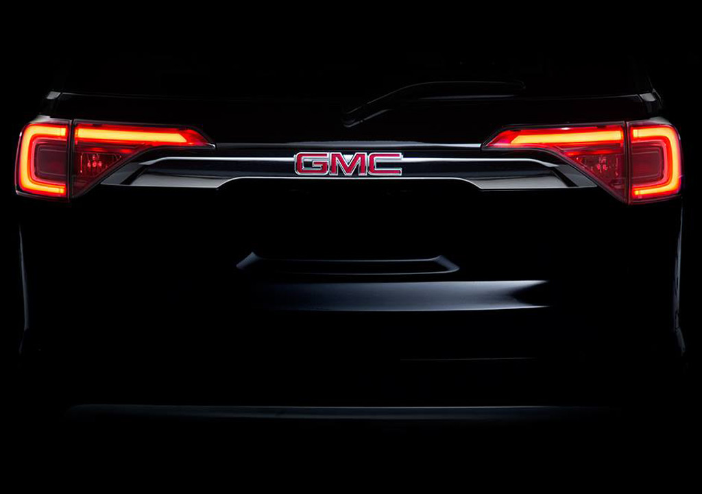 Teaser for 2017 GMC Acadia debuting at 2016 Detroit Auto Show