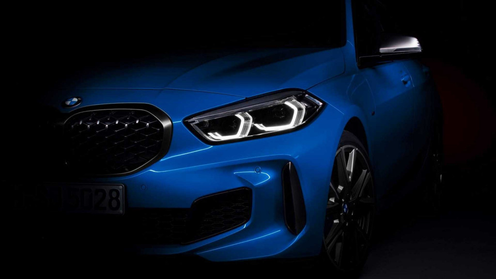 BMW teases its redesigned 2019 1-Series