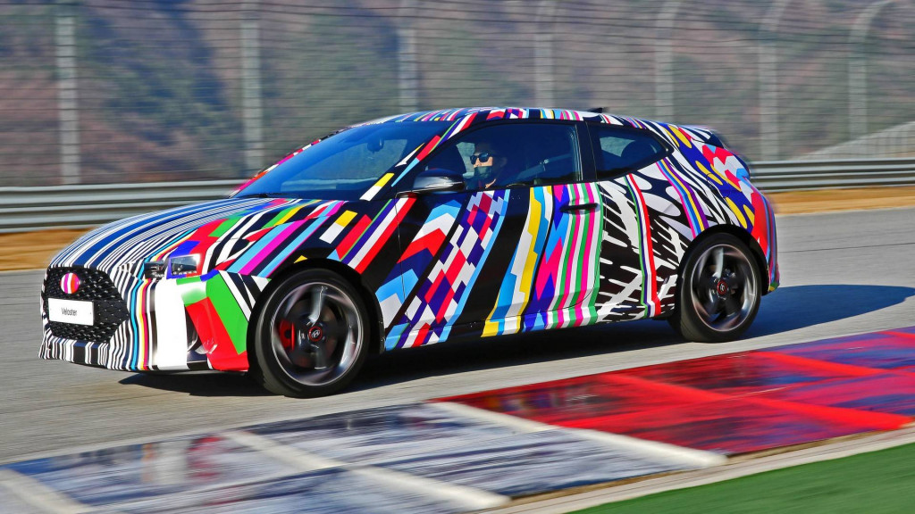 2019 Hyundai Veloster teased ahead of Detroit debut