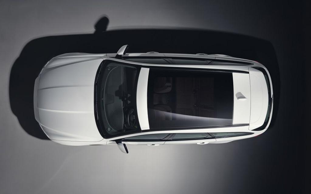 Teaser for Jaguar XF Sportbrake debuting in June 14, 2017