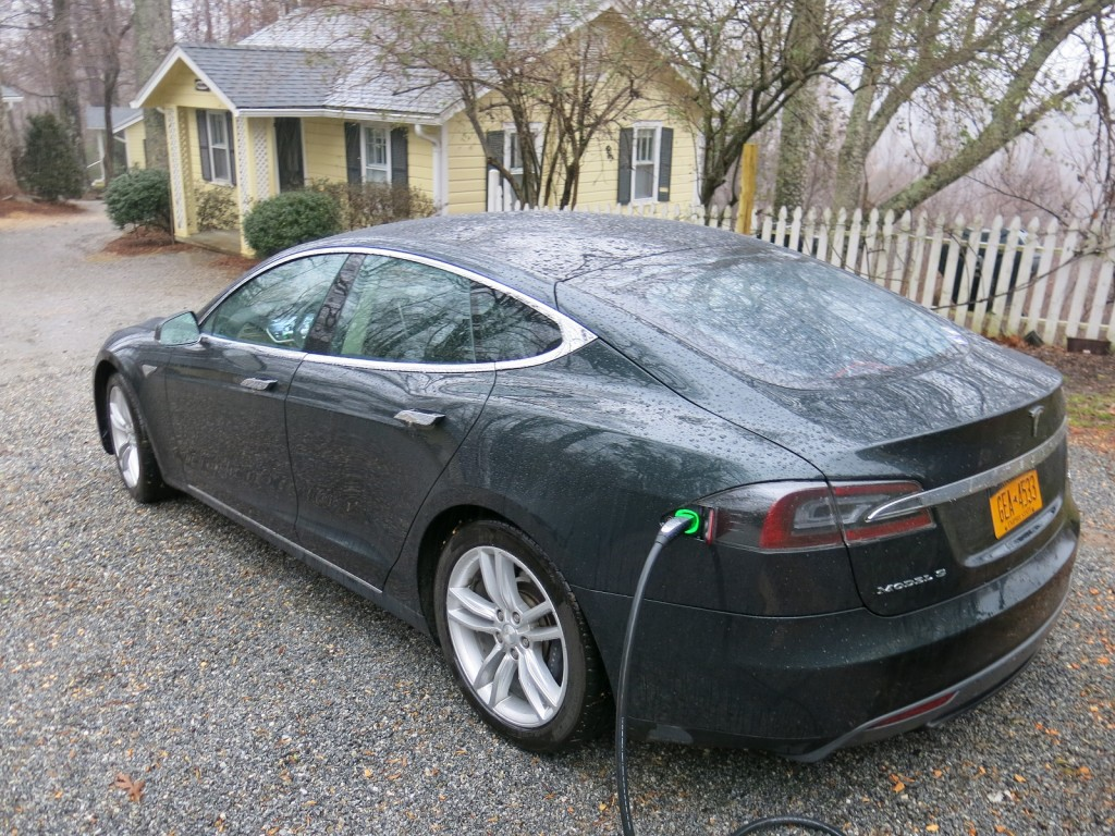 Tesla Model S electric-car road trip, charging at Orchard Inn, Saluda, NC   [photo: David Noland]