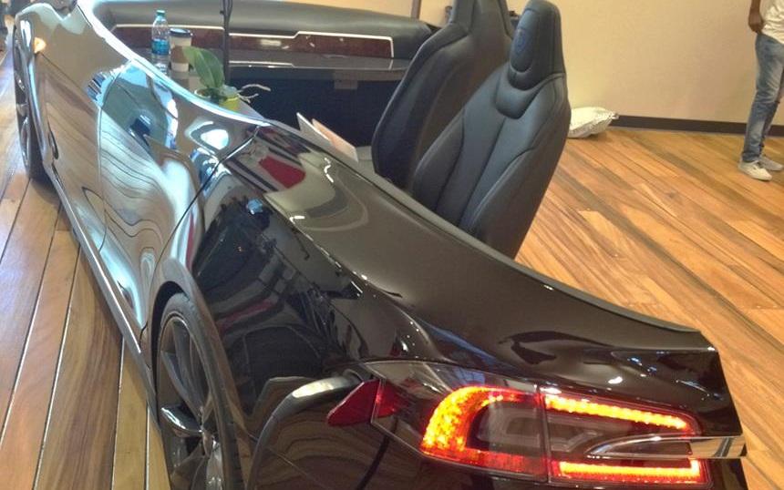 Tesla Model S Desk Greets Visitors At Draper University ...