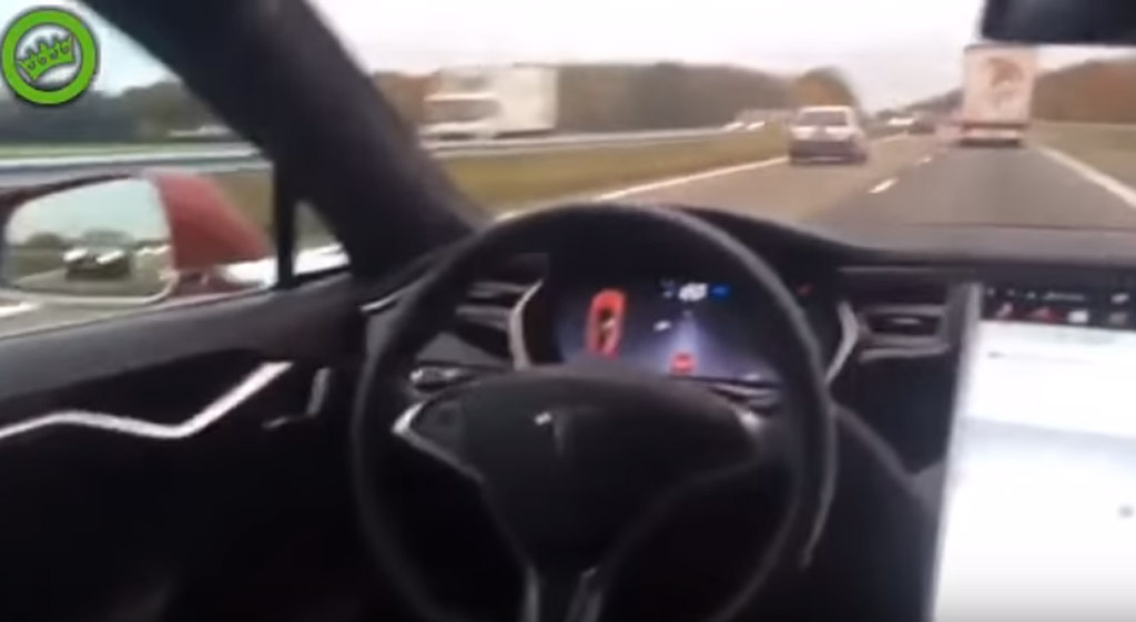 Tesla Model S owner tests Autopilot system from back seat