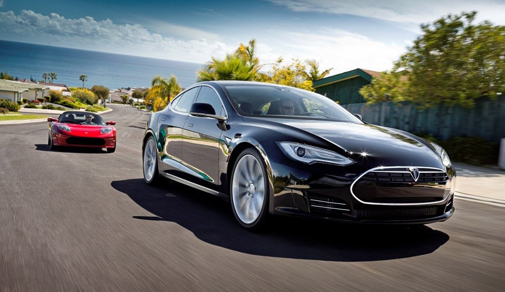 First 2012 Tesla Model S Delivered, Honda Fit EV Rated: Car News Headlines
