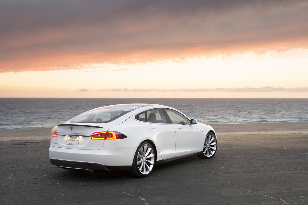 tesla model s shows how tough it 39 ll be for china to meet green car goals. Black Bedroom Furniture Sets. Home Design Ideas