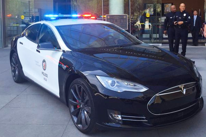 LAPD tries out Tesla Model S P85D