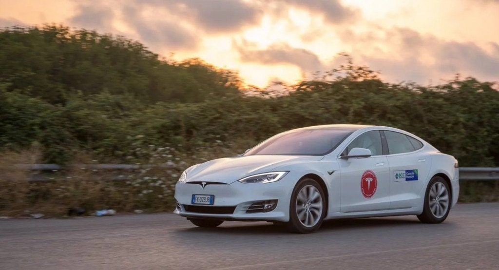 Tesla Owners Italia Model S 100D sets range record