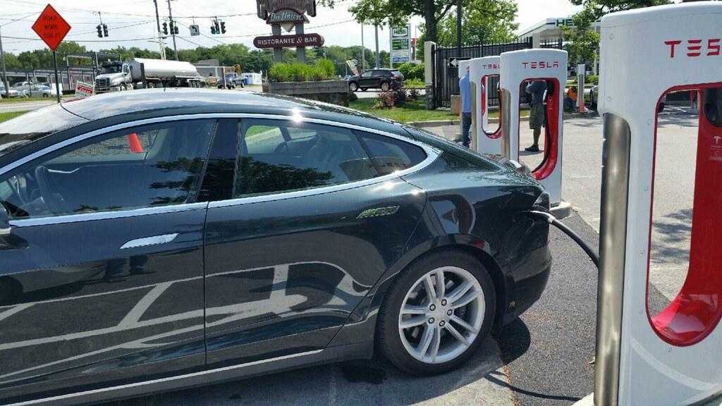 Model X Due Date, Sonata Eco, Mercedes Plug-In Hybrid: The Week In Reverse (Video)